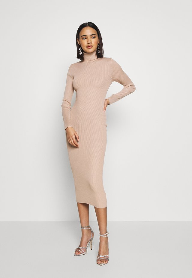 ROLL NECK MIDI DRESS - Sukienka etui - camel