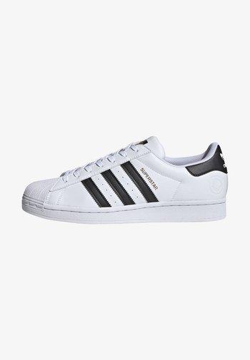 SUPERSTAR VEGAN - Sneaker low - footwear white/core black/green