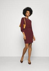 Vero Moda - VMTWISTED KNOT SHORT DRESS - Jerseykjole - port royale - 1