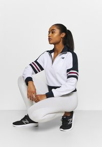 New Balance - ACHIEVER HALF ZIP - Long sleeved top - white - 1