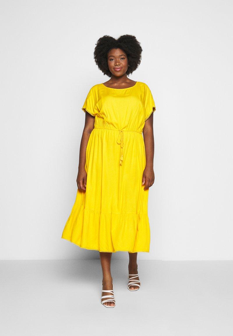 MY TRUE ME TOM TAILOR - DOBBY DRESS - Sukienka letnia - deep golden yellow