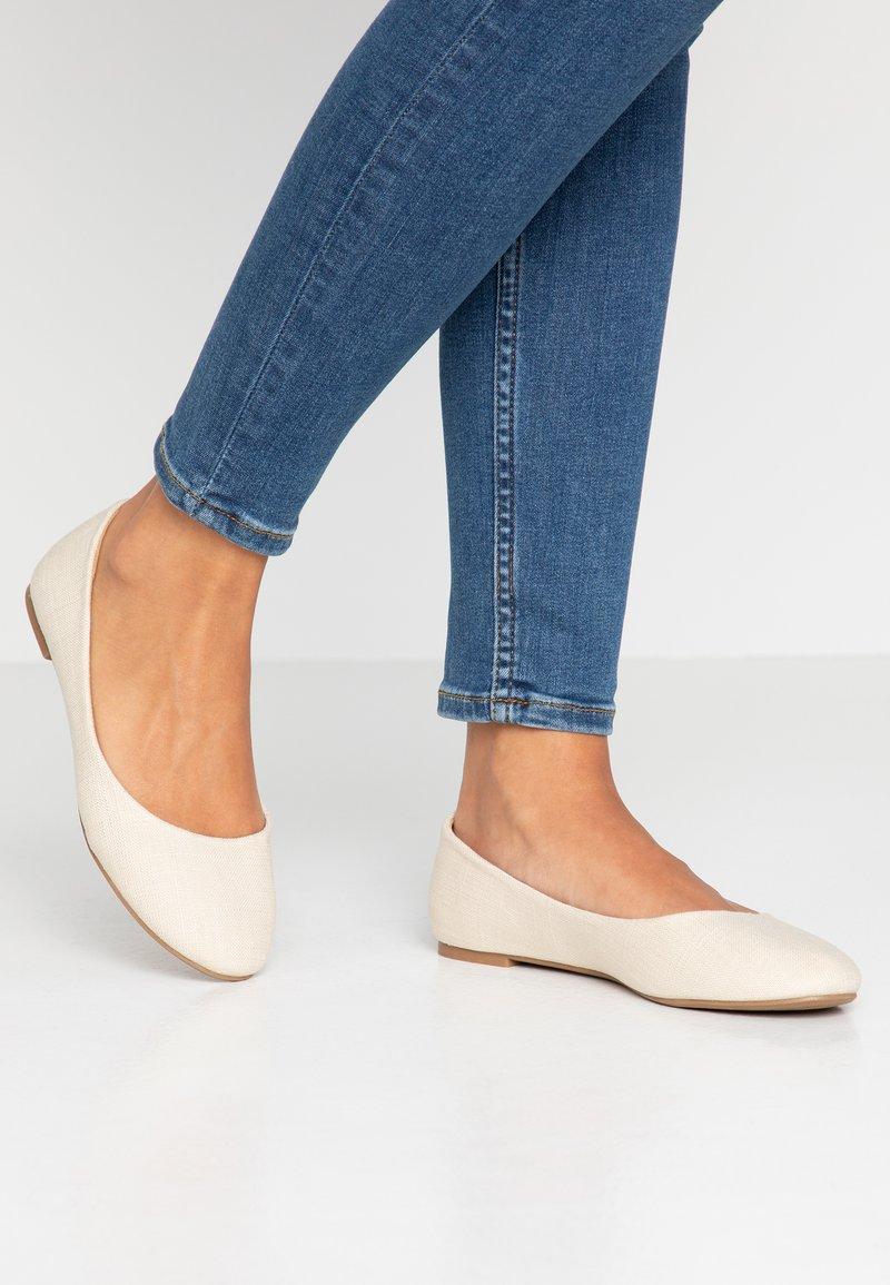 Rubi Shoes by Cotton On - BRITT BALLET - Ballerina - oat