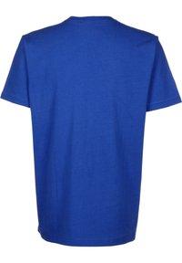 Mitchell & Ness - BIG FACE SIXERS - Print T-shirt - royal - 1