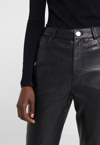 2nd Day - BOOGIE - Leather trousers - black - 3