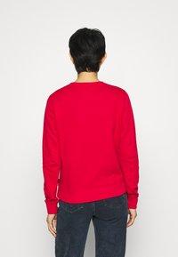 Calvin Klein - CORE LOGO - Sweatshirt - tango red - 2