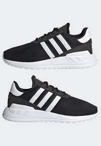 adidas Originals - LA TRAINER LITE SHOES - Trainers - core black/ftwr white/core black - 5