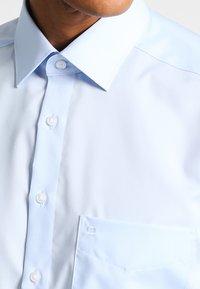 OLYMP Luxor - NEW KENT - Camicia elegante - hellblau - 3