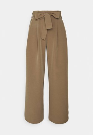 PCFARRAH WIDE PANTS - Pantaloni - otter