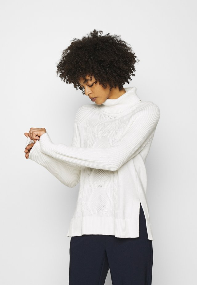 CABLE TURTLENECK - Sweter - snowflake milk