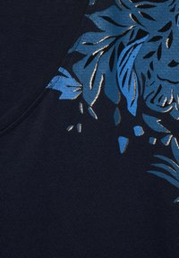 Cecil - MIT BLUMEN DEKO - Print T-shirt - blau - 4