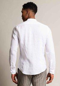 Autark - Shirt - weiß - 2