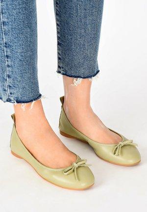 Foldable ballet pumps - olive