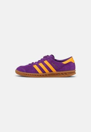 HAMBURG UNISEX - Trainers - active purple/semi solar gold