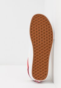 Vans - STYLE 36 - Sneakersy niskie - biking red/poinsettia - 4