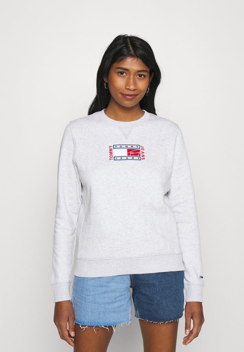 Tommy Jeans - TIMELESS FLAG - Sweatshirt - silver grey