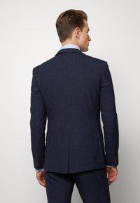 Ben Sherman Tailoring - MIDNIGHT FLECK SUIT - Kostym - navy - 2