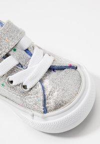 Converse - CHUCK TAYLOR ALL STAR GALAXY GLIMMER - Trainers - silver/ozone blue/white - 2