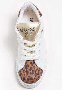 Guess - LUCY LOGO - Zapatillas - mehrfarbig, weiß - 1