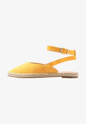 BELFAST - Slingback ballet pumps - yellow