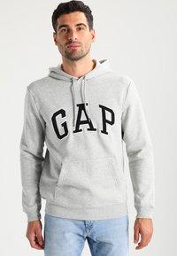 GAP - ARCH - Hoodie - light heather grey - 0