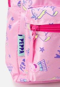 Kidzroom - BACKPACK PEPPA PIG FAVORITE THINGS UNISEX - Rucksack - pink - 4