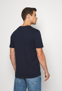 GAP - V-ARCH FILL PRIDE - Print T-shirt - dark blue - 2