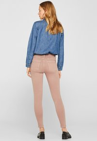 Esprit - SUPERSTRETCH - Jeans Skinny Fit - mauve - 2