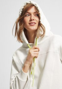 comma casual identity - Hoodie - offwhite - 3