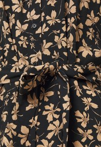 Moss Copenhagen - CALIA DRESS - Skjortekjole - black - 2