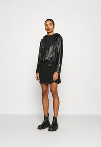 Calvin Klein Jeans - LOGO ELASTIC DRESS - Sukienka z dżerseju - black - 1