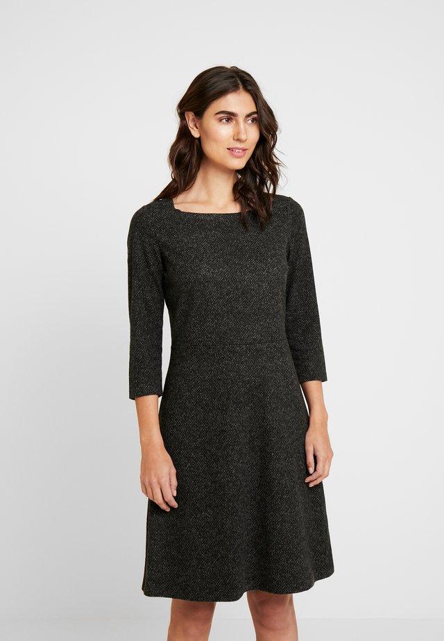 DRESS A-SHAPE SALT AND PEPPER - Shift dress - grey black