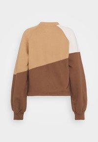 Abercrombie & Fitch - WEBEX MINI MOCK CREW - Sweatshirt - brown - 4