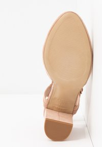New Look Wide Fit - WIDE FIT SHUTTER 2PART - Zapatos altos - oatmeal - 6
