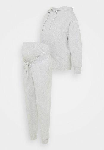 SET - Jersey con capucha - light grey