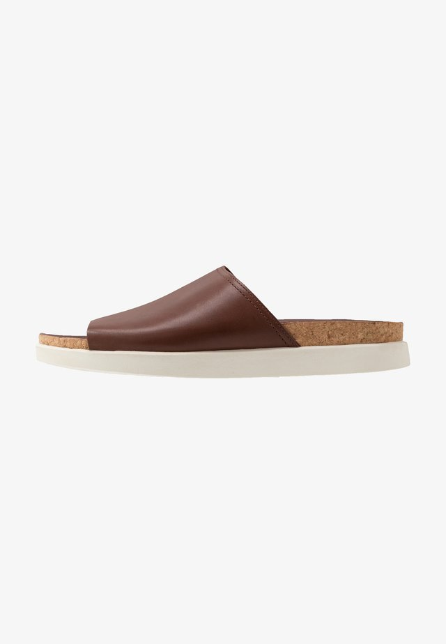 SUNDER SLIDE - Ciabattine - british tan