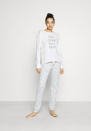 DAILY OPTIMISTE LONG PAISLEY PJ SET - Pyjamas - off white