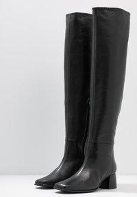 Filippa K - CAMILLE HIGH BOOT - Kozačky nad kolena - black - 4