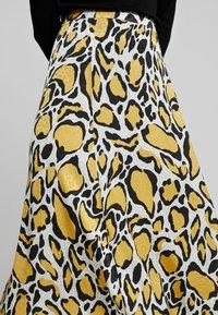 Gestuz - IRINA SKIRT - Maxi sukně - yellow - 5