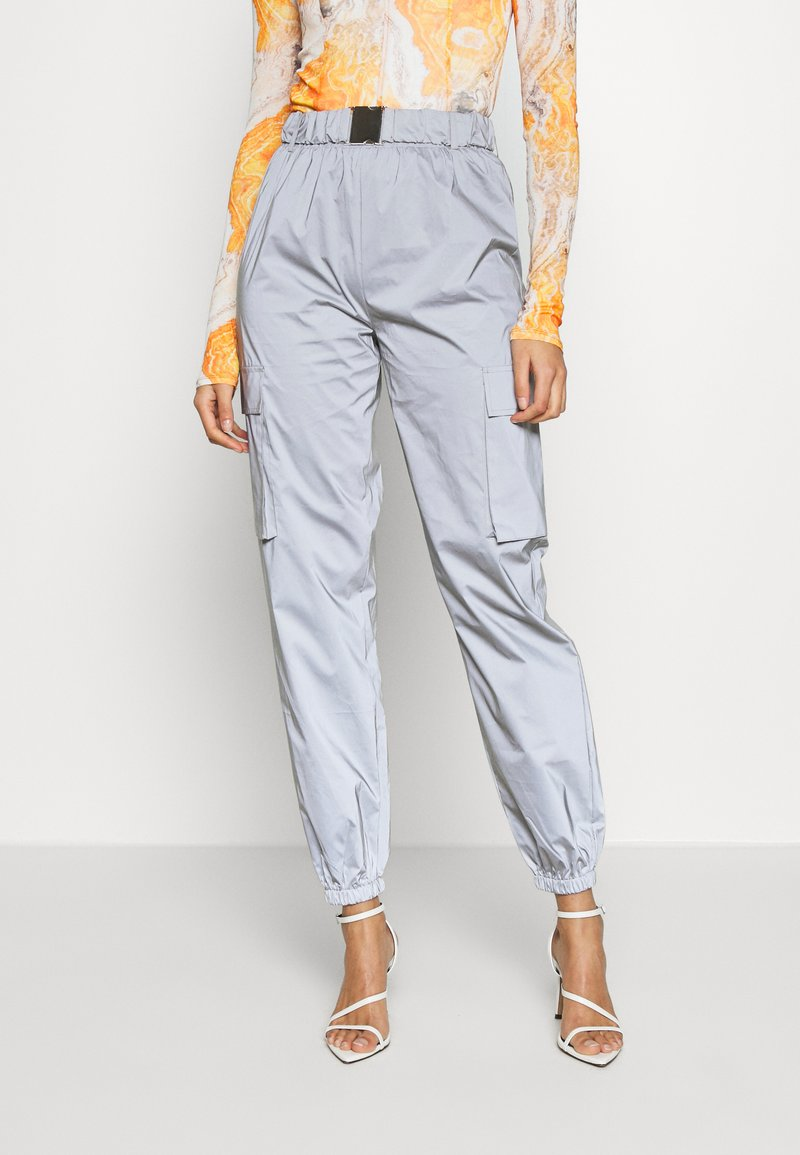 Missguided - CODE CREATEREFLECTIVE JOGGERS - Verryttelyhousut - grey
