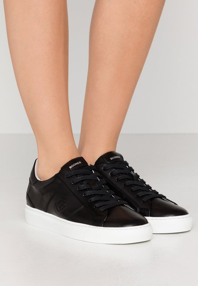 NEW SALZBURG - Sneakers laag - black