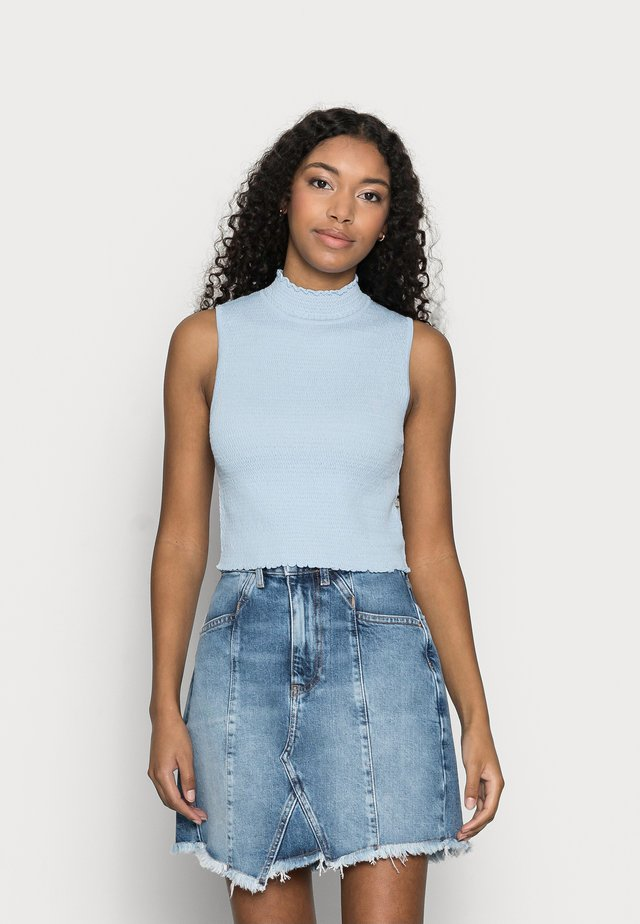 YASXENIA CROPPED TOP PETITE - Top - whispy blue