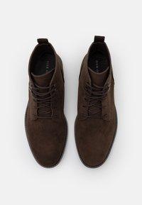 Pier One - Šněrovací kotníkové boty - dark brown - 3