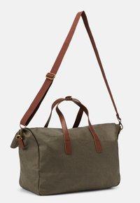 Pier One - UNISEX - Weekend bag - olive - 1