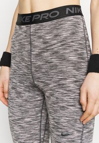 Nike Performance - CROP - Legging - black - 4