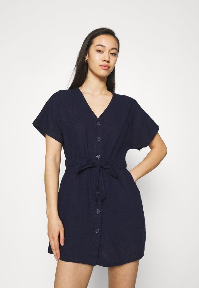 LENA SHORT SLEEVE UTILITY SHIRT MINI DRESS - Vestito estivo - indigo
