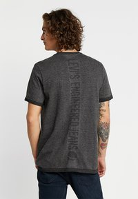 Levi's® Engineered Jeans - LEK TEE - T-shirt med print - dark heather grey - 2