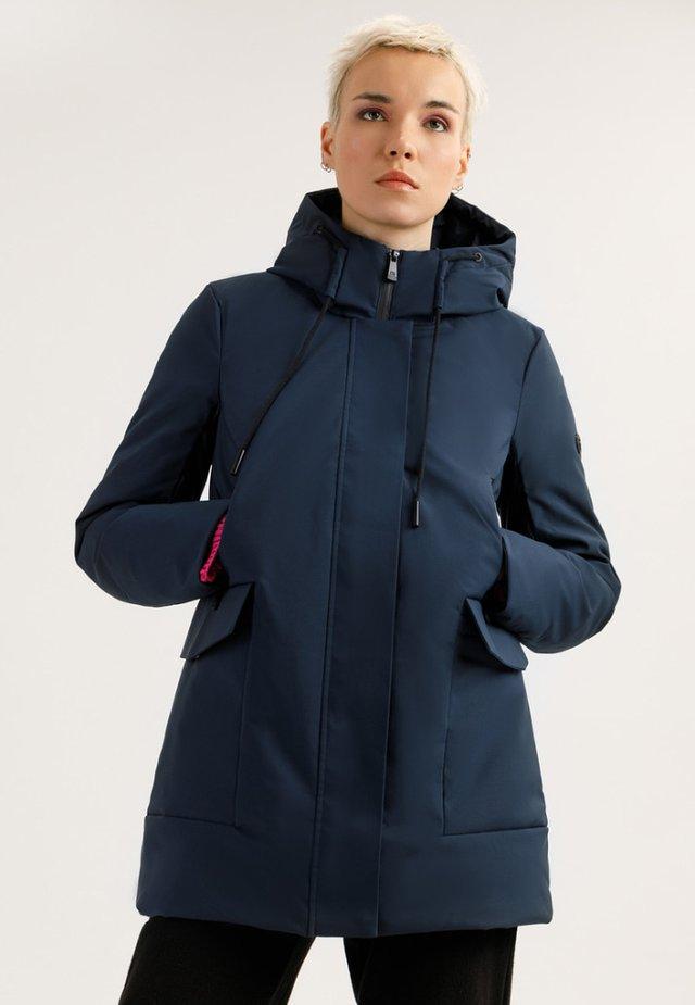 MIT AUFGESETZTEN TASCHEN - Winter coat - cosmic blue