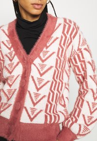 Fashion Union - ASSAY - Cardigan - red - 4