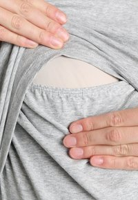 Boob - CLASSIC SHORT SLEEVED - T-shirts - grey melange - 5