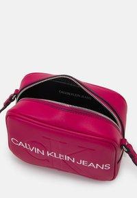 Calvin Klein Jeans - CAMERA BAG - Across body bag - red - 2
